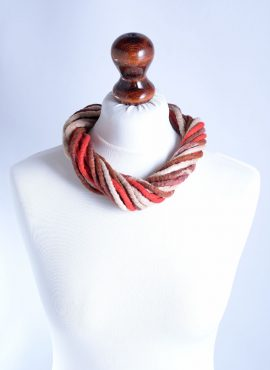 Eco bohemian necklace in beige and brown