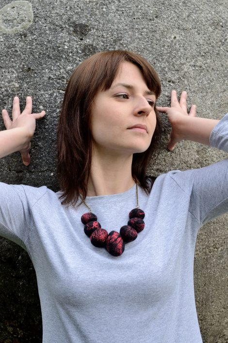Felt stone necklace made of natural wool and silk