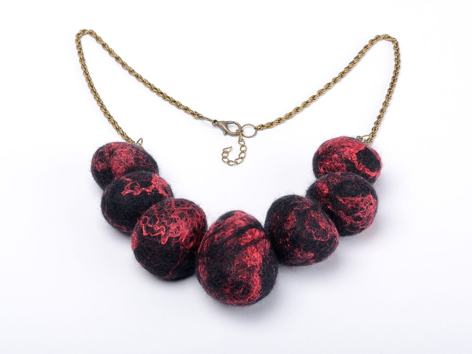Felt stone necklace with natural wool stones for Red black and green jewelry