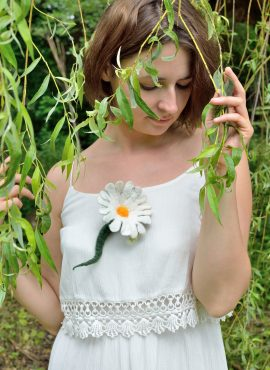 White wet felted brooch with romantic daisy flower