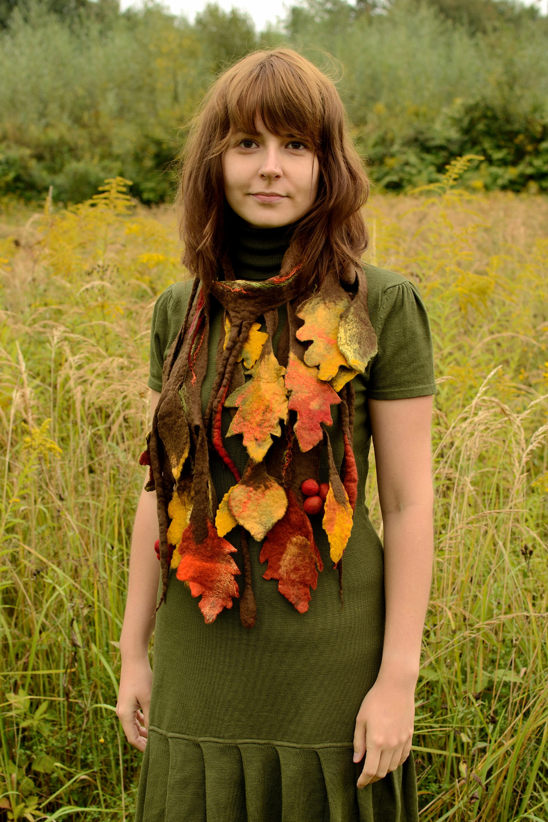 autumn scarf with falling leaves seasonal fruits
