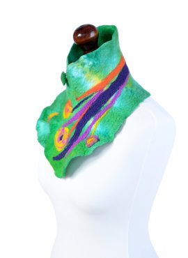Green folk neck warmer for women