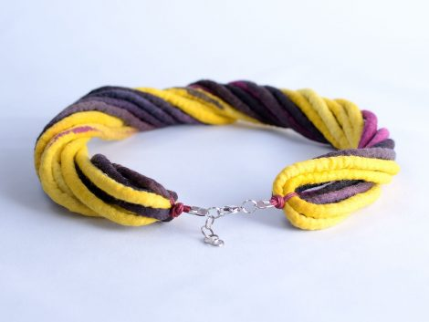 Aubergine and yellow necklace made of twisted rope