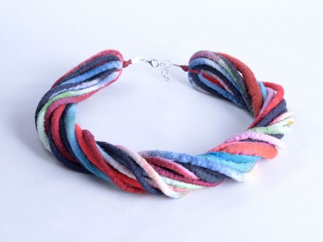 Marine necklace in blue red and white