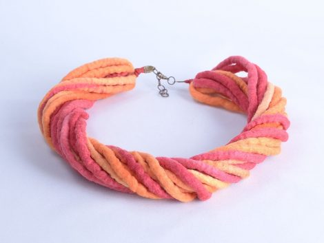 Multi-strand rope necklace in red and orange