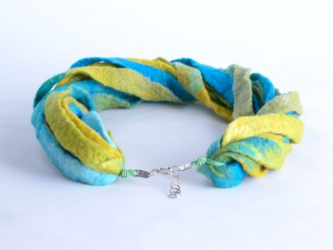 Thick boho necklace in turquoise and yellow