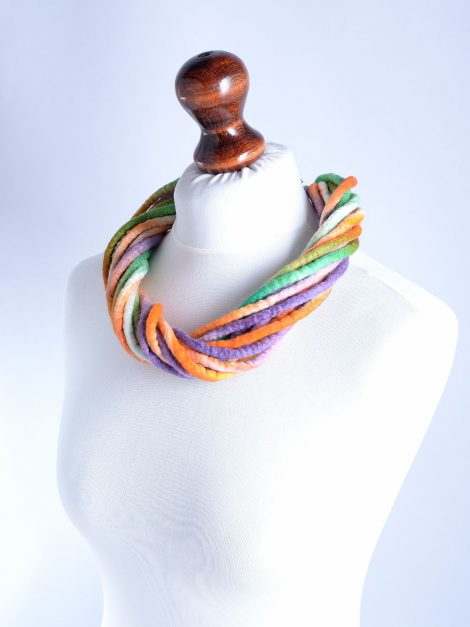 Twist rope necklace made of hand dyed wool