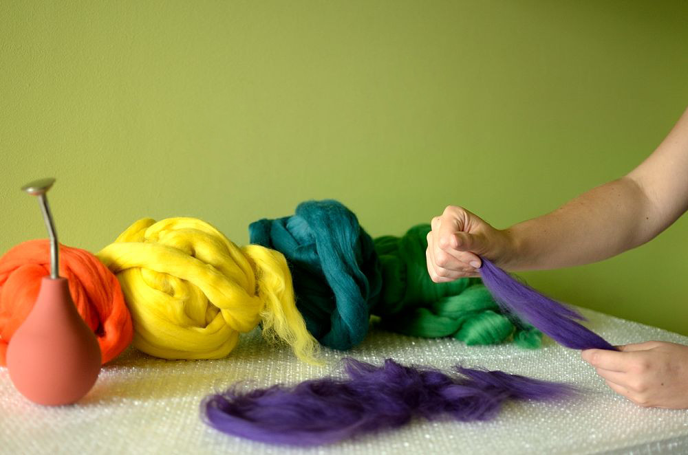 Making felt in felting process
