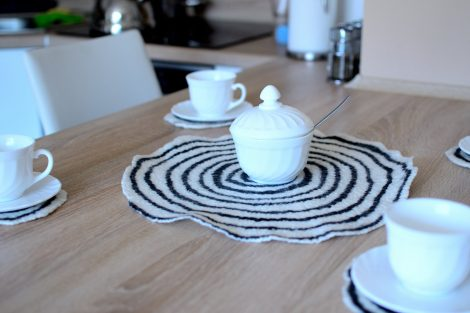 Table coasters in black and white