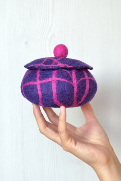 Felted jewelry box in violet and pink