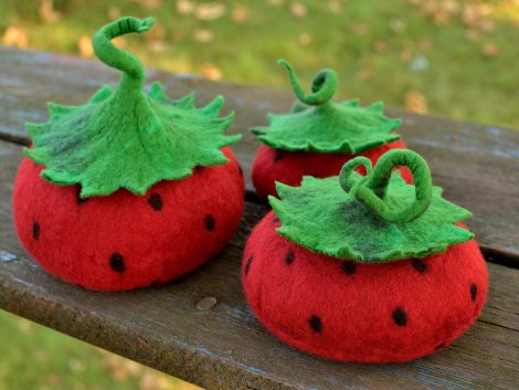 Felted strawberry boxes for girls and women