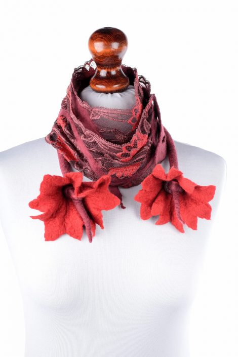Nuno felt scarf with red flowers