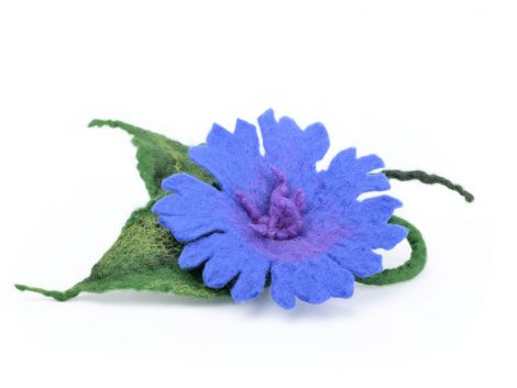 Blue felt brooch with cornflower