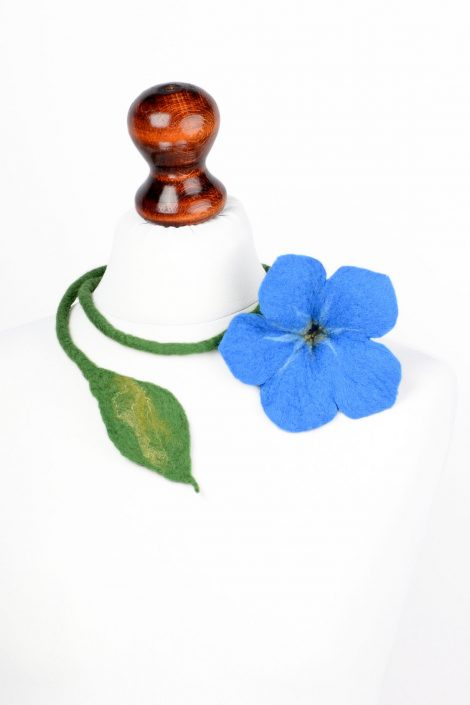 Blue flower necklace with felted forget-me-not