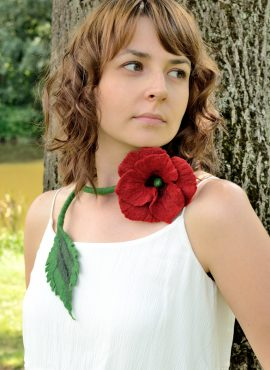 Felt poppy necklace with romantic flower