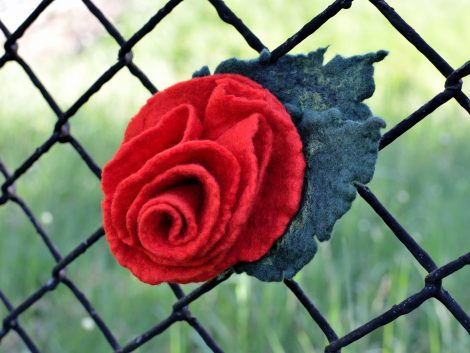 Felt rose pin with red flower and leaves