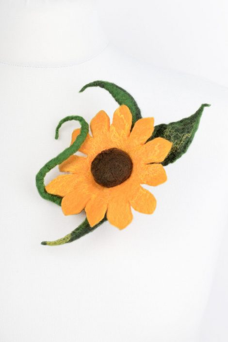 Felt sunflower brooch