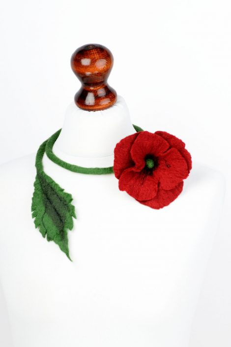 Fiber open necklace with poppy flower