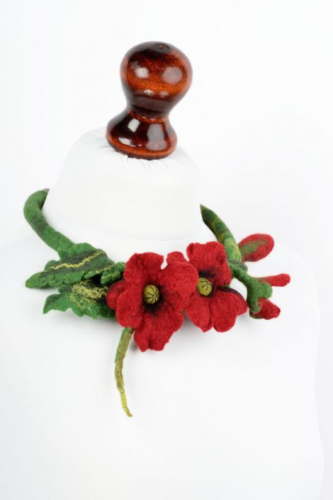 Wool poppy necklace