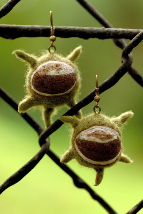Felt chestnut earrings for autumn