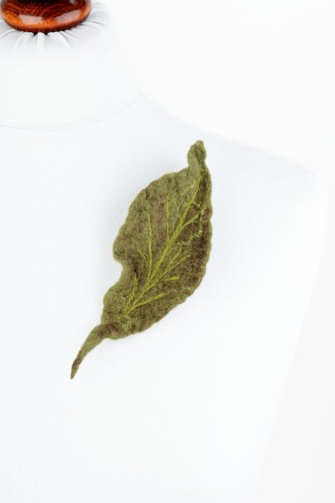 Felt green leaf brooch