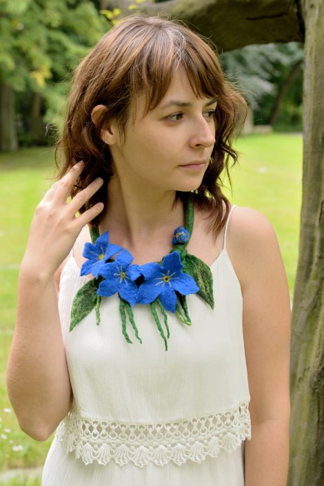 Felt necklace with forget me nots