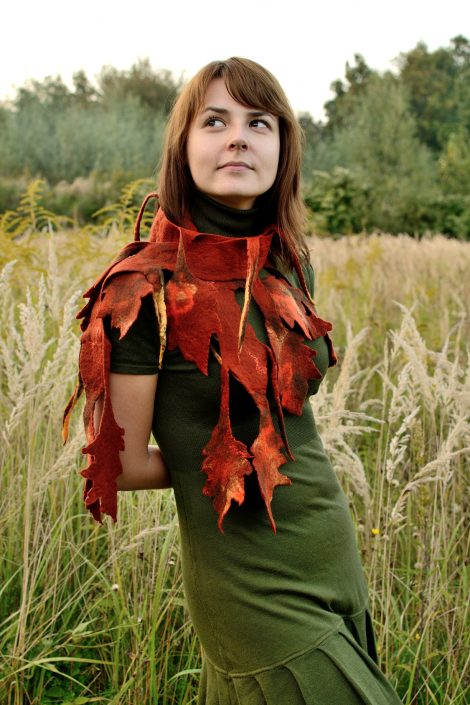 Felt scarf for fall with russet leaves