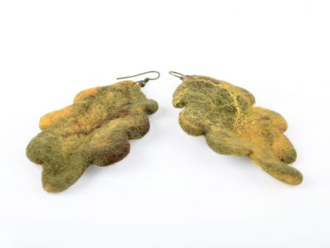 Felted earrings with oak leaves