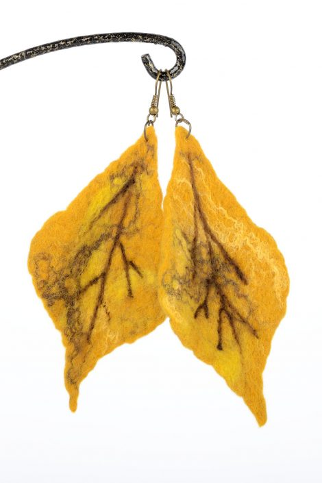 Felted leaf earrings for fall