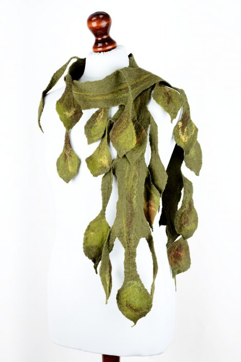 Green felted scarf with leaves