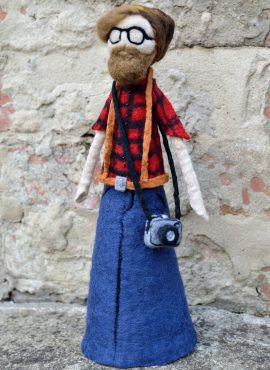 Hipster figurine with beard and camera