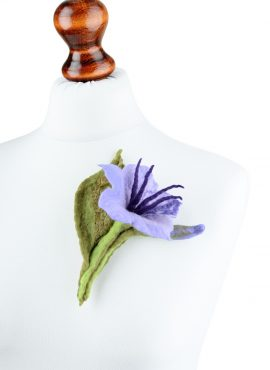 Felted lily brooch with leaf and bud