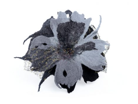 Gothic flower brooch in black and gray