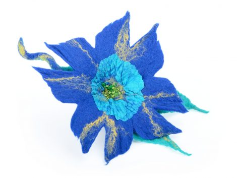 Blue felt flower brooch with exotic look