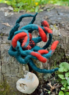 Felt anemone brooch in sea green color