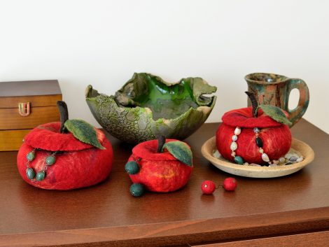 Red fruit jewelry boxes felted of merino wool