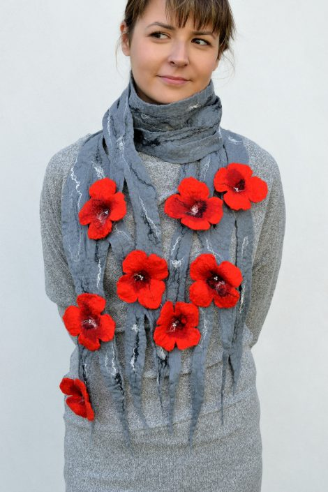 Gray felt scarf with red flowers