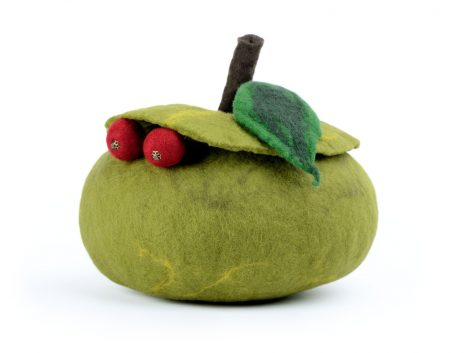 Green apple jewellery box for woman or girl