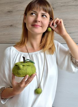 Green fruit jewelry set with felted apples