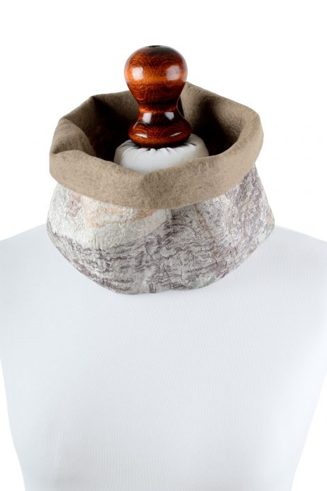 Luxury snood scarf for women made of merino wool and beige silk
