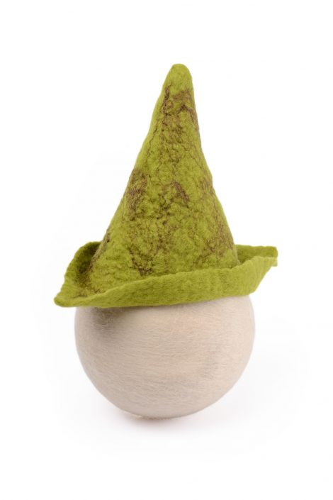 Green hat for baby shoots